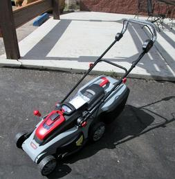 LM300 Oregon 591082 Lawn Mower with 4.0 Ah Battery and C650