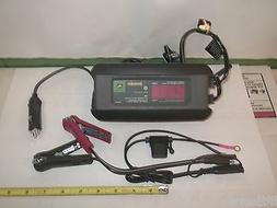 NEW JOHN DEERE BATTERY CHARGER / MAINTAINER 3 AMP NEW IN BOX